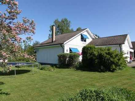 Geräumiges Einfamilienhaus mit schönem Garten, perfekt für Familien mit Kindern