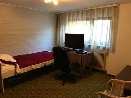 kleine Einzimmer-Souterrain-Wohnung, z.B. für Pendler oder Student