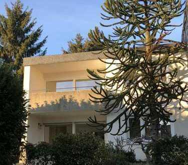 Schönes, geräumiges Haus mit vier Zimmern in Essen, Byfang