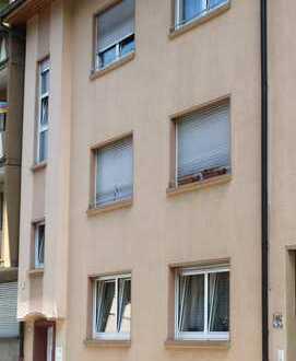 Freundliche 4-Zimmer-EG-Wohnung mit Balkon und EBK in Kaiserslautern