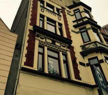 Schönes Haus mit 18 - Zimmern in Bremerhaven, Lehe voll vermietet