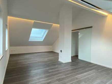 Sonnige 3-Zimmer-DG-Wohnung mit gehobener Innenausstattung in Durach