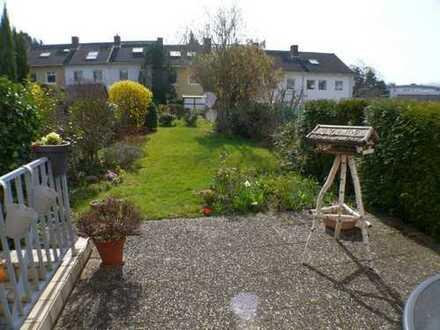 Wi-Bierstadt- ruhig gelegen + nahe am Feldrand ! RMH - 125 m² mit schönem Garten € 590.000,-
