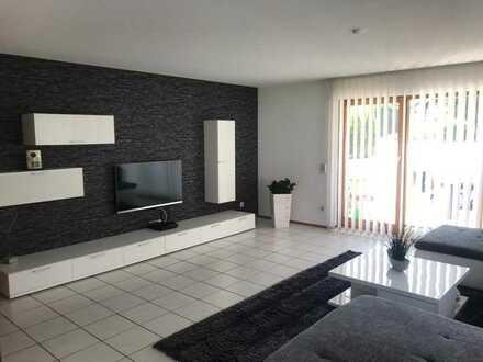 Gepflegte 3-Zimmer-Wohnung mit Terrasse, EBK und Doppelgarage in Ratshausen