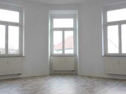 Balkon und 4 Zimmer
