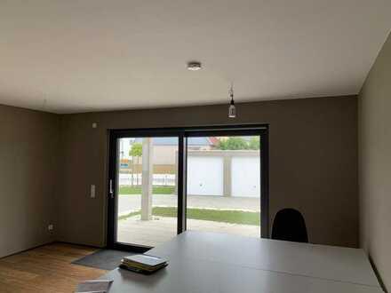 Attraktive 3-Zimmerwohnung mit Terrasse, Garage und Stellplatz in Nellingen