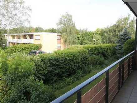 Bezugsfreie Eigentumswohnung in gepflegtem 8-Familien Haus in Ruhiglage in Bergheim-Zieverich