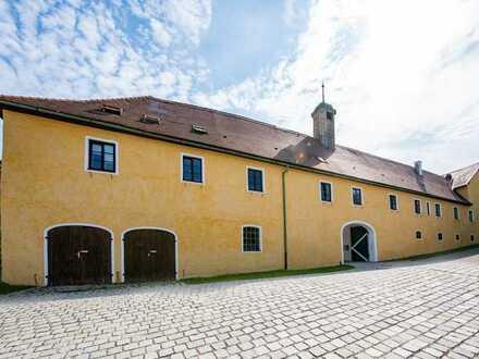 Wohnung in einer der schönsten Schlossanlagen Bayerns