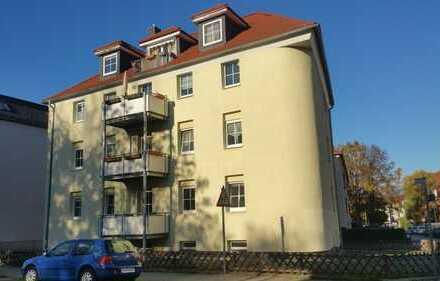 Hübsche kleine 2-Raum-Wohnung mit Balkon und EBK