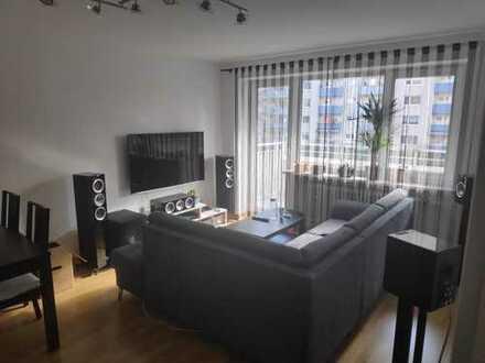 Von privat: Zwei Zimmer Wohnung mit Balkon in München, Fürstenried
