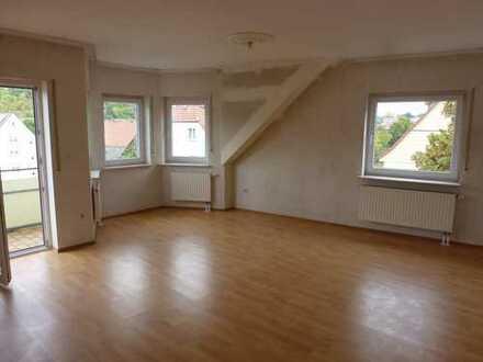 RESERVIERT !! -Osterburken Zentrum - Moderne 2 Zimmer Wohnung, Balkon und Garage für 2 Kfz