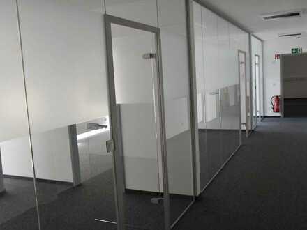 Neue Büro-Praxis-Räume in einem Geschäftsgebäude in Stammham.