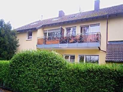 Neu renovierte Etagenwohnung - Parkett/Einbauküche/Kaminofen