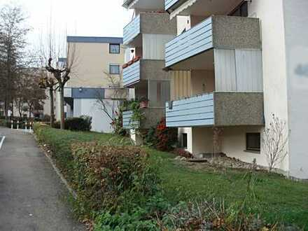Modernisierte 4,5-Zimmer-Hochparterre-Wohnung mit Balkon und Einbauküche in Wernau (Neckar)