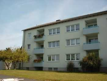 Helle, frisch renoviert 4-Zimmer Wohnung mit 2 Balkonen