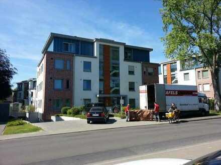 Exklusive, neuwertige 3-Zimmer-Wohnung mit Balkon und Einbauküche, zentral