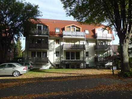 Komplett renoviert, neue Küche! 3 Zimmer und großer Balkon in Sebaldsbrück Nähe Mercedes