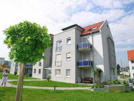 Willkommen zu Hause! Perfekte, preiswerte 2-ZW mit Süd-Balkon, 1A-EBK und Traum-Bad in ruhiger Lage