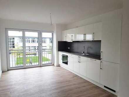 Erstbezug: Helle 3-Zimmer-Wohnung mit Balkon!