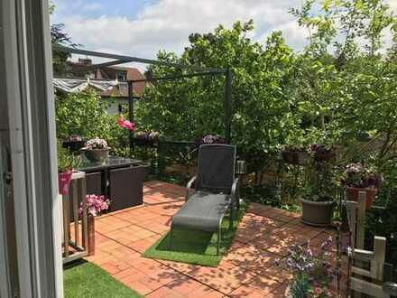 Heimersdorf: freistehendes Dreifamilienhaus mit ausgebautem Dachgeschoss und Garten