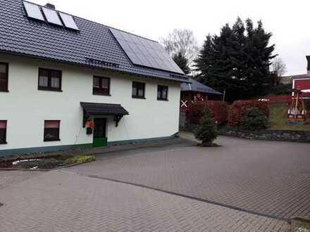 Schönes Haus zur Alleinnutzung auf gepflegtem Grundstück in ruhiger Lage von Jahnsdorf/Erzgebirge