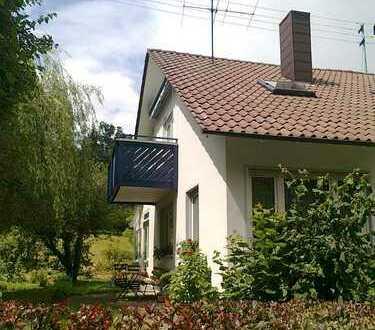 Schöne 3,5-Zimmer-Dachgeschosswohnung mit Balkon in Weilen unter den Rinnen