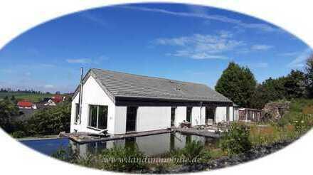 Landleben mit moderner Wohnkultur vereint-Wohntraum mit Schwimmteich & Permakultur-Landschaftsgarten