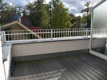 Traumhafte 3,5 Zimmer-Dachgeschoss-Wohnung mit Südbalkon und EBK in neu gebauter Wohnanlage