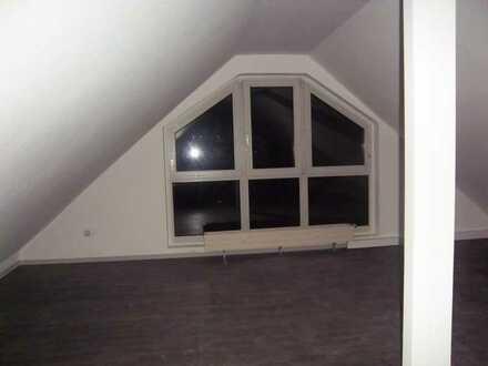 Lichtdurchflutete 3-Zi-Whg. mit großer Galerie und Balkon