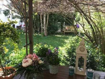 1 oder 2 Zimmer, eigenes Bad im EFH mit Garten naehe engl.Garten Schwabing