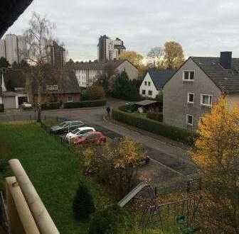 Helle drei Zimmer Wohnung in Porz - Urbach