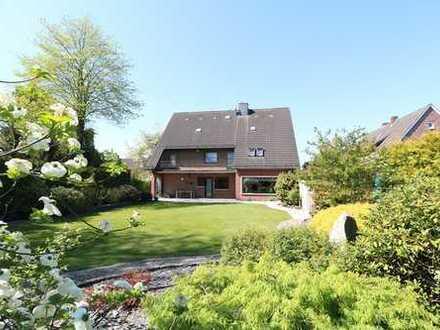 Topgepflegtes, modernisiertes Wohnanwesen mit Keller, Doppelgarage sowie herrlichem Garten