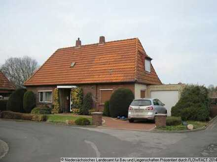 Gebotsverfahren: Einfamilienhaus mit Garage und zusätzlichem Bauplatz in ruhiger Wohnlage