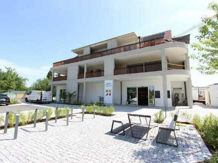 Topmoderne Mietwohnung im Neubau - zentral gelegen mit Blick ins Grüne!
