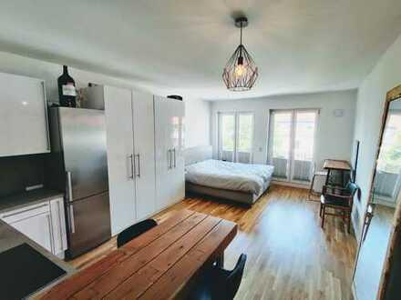 Exklusives Appartment, voll möbliert mit Balkon an Berufspendler