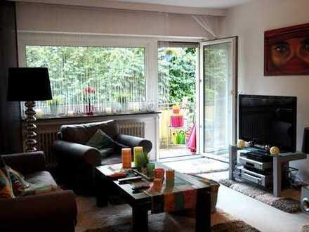 Schöne, gepflegte Erdgeschoss Wohnung mit Balkon
