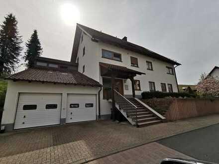 Freistehendes Mehrfamilienhaus mit drei abgeschlossenen Wohneinheiten in Rothenbuch