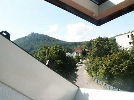 2,5-Zimmer-Maisonette-Wohnung mit Balkon und Einbauküche in Beuren
