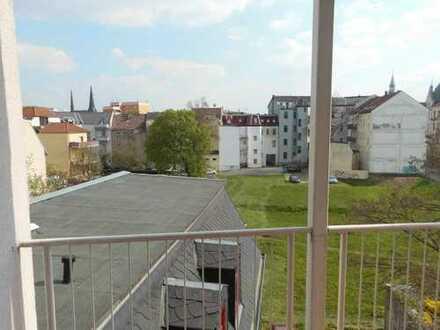 ***3-Raum Wohnung mit Balkon und Stellplatz in Zentrumsnähe***