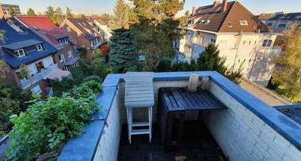 3-Zimmer-Dachgeschosswohnung im schicken Altbau mit Balkon, EBK und Dachboden mit eigenem Zugang.