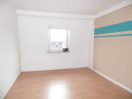 Charmante 2 Zimmer Wohnung mit großer Wohnküche!
