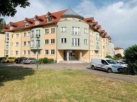 Gepflegte Wohnung mit drei Zimmern und Balkon am Rosenhügel