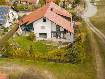 Luxuriöses Familienidyll mit Wellnessoase, 2 Terrassen und gepflegtem Garten