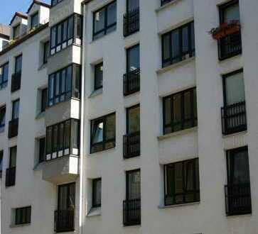 Sehr ruhige, komplett renovierte Wohnung in der Reitmorstrasse (Lehel)