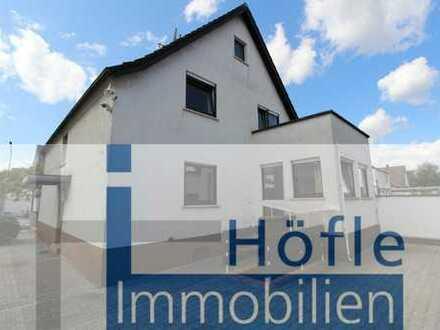 +++ frisch renoviert +++ Lorsch, großzügiges Einfamilienhaus mit Innenhof und zwei Garagen