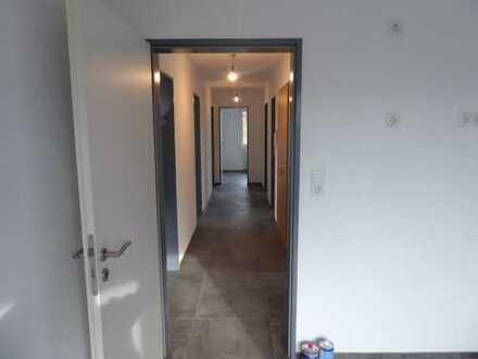 Erstbezug nach Sanierung mit Balkon: ansprechende 4-Zimmer-Wohnung in Oldenburg (Oldenburg)
