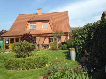 Schönes, geräumiges Haus mit fünf Zimmern in Hannover (Kreis), Lehrte