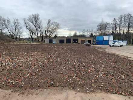 Lagerplatz mit zwei alten Garagen zu vermieten in St. Egidien