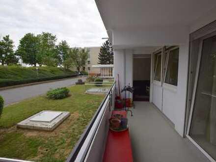 2-Zimmer-Wohnung im Erdgeschoss mit Balkon und Stellplatz in Nieder-Eschbach