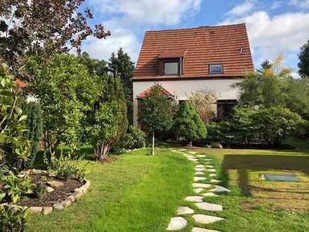 Schönes Haus mit sechs Zimmern in Berlin, Rudow (Neukölln)